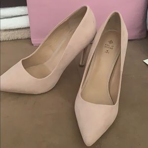 Brand new call it spring pumps
